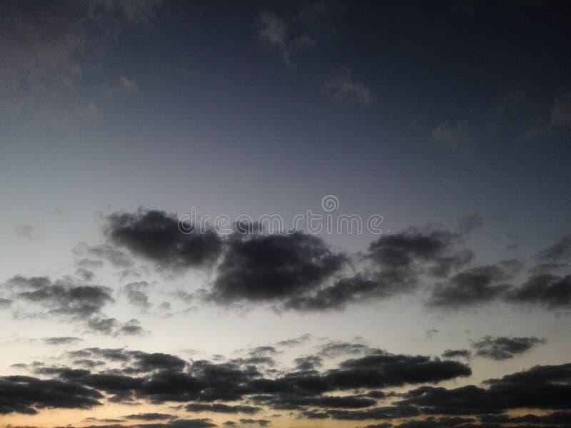 多云坑俄国沙子天空 免版税库存照片