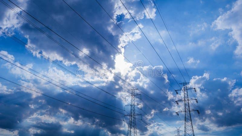 多云天空蔚蓝 库存照片
