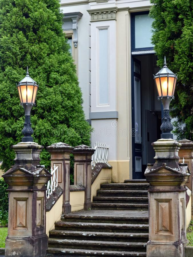 维多利亚女王时代的时代大厦,正式入口 库存照片