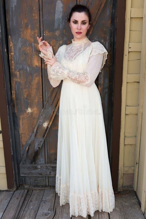 维多利亚女王时代的礼服 免版税库存图片