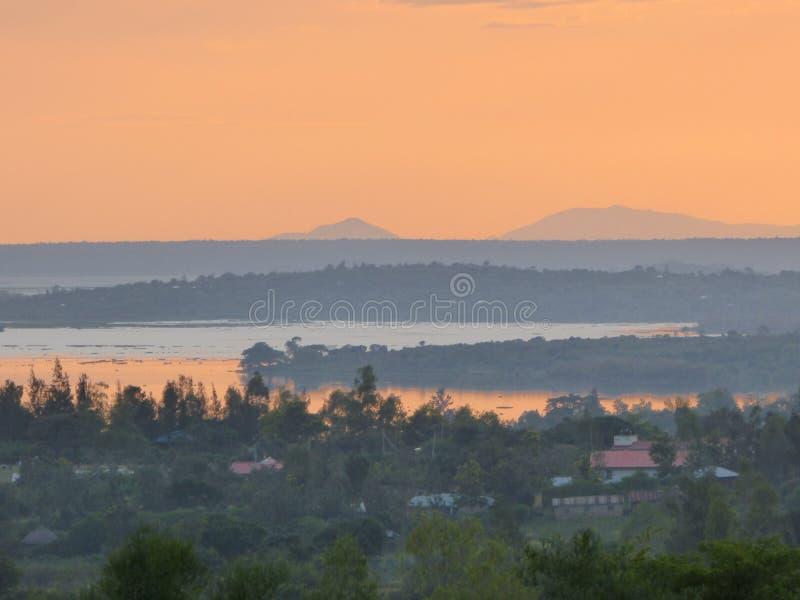 维多利亚湖天空线 免版税库存照片