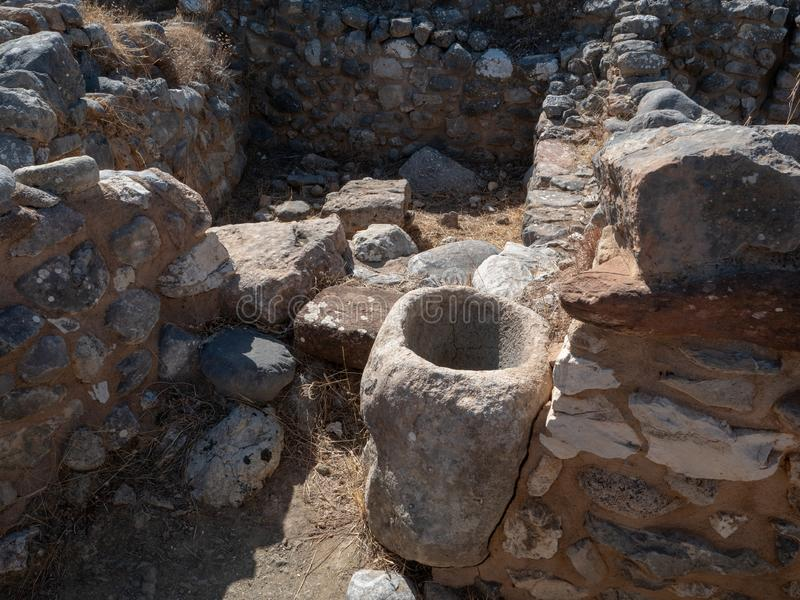 多利安人的城邦,NE克利特古老遗骸拉托河的 免版税库存图片
