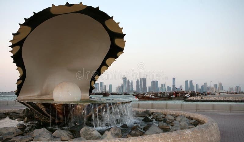 多哈喷泉珍珠地平线 免版税库存照片