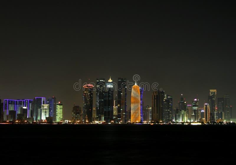 多哈地平线美丽的景色在晚上,卡塔尔 免版税库存图片