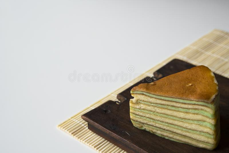 多夹心蛋糕叫'lapis正统剧'或'spekkoek'从印度尼西亚 库存图片