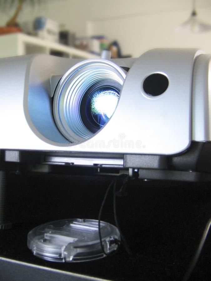 多媒体放映机运行中 免版税库存照片