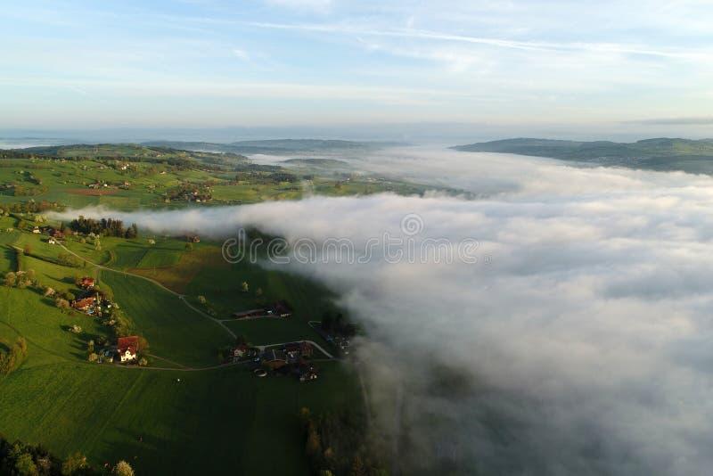 多小山风景的鸟瞰图在中央瑞士 图库摄影
