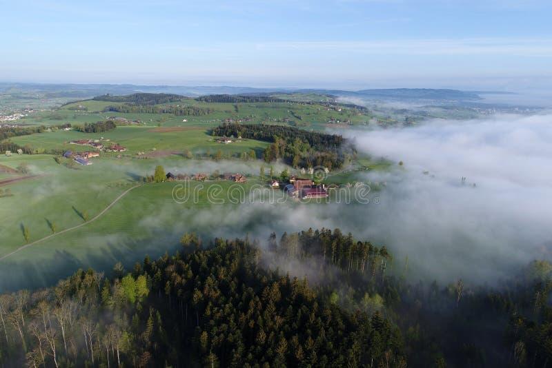 多小山风景的鸟瞰图在中央瑞士 免版税图库摄影