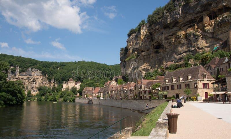 多尔多涅省河和La Roque Gageac古老村庄  图库摄影