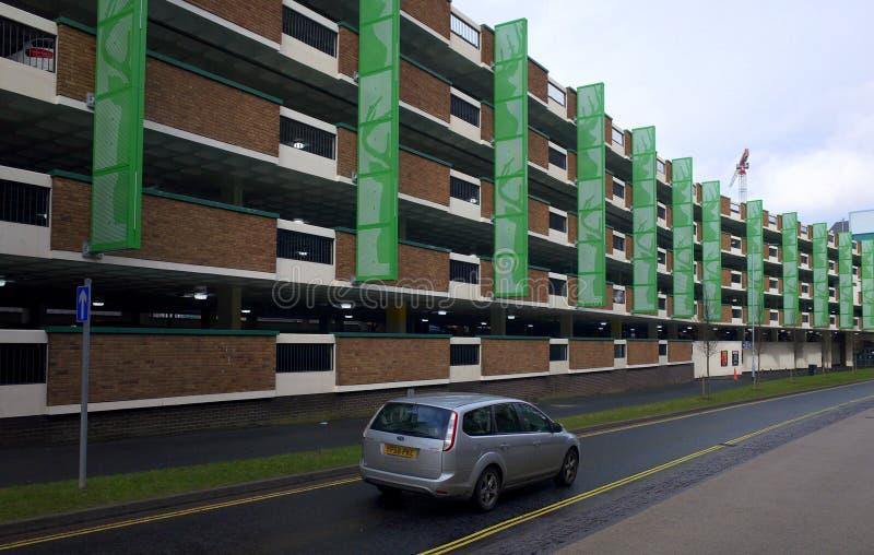 多层的停车场在布拉克内尔,英国 免版税图库摄影