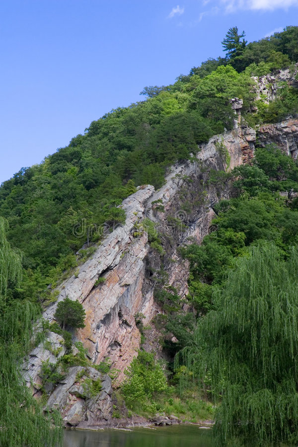 多山岩石 库存图片