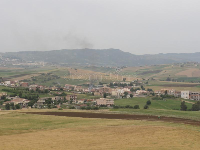 多山风景在Kabylia -卡拜尔人山 免版税库存照片