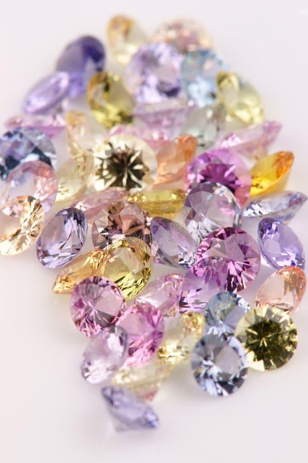 多彩多姿的宝石的分类。 免版税库存照片