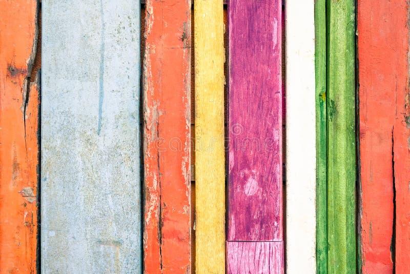 多彩多姿的木背景和选择材料 免版税库存图片