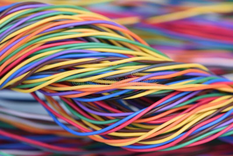 多彩多姿的电子计算机缆绳 库存图片
