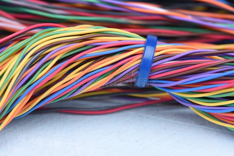 多彩多姿的电子计算机缆绳 免版税库存图片