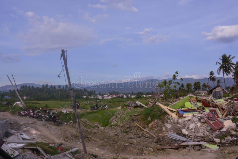 多数严重损伤地震液化Petobo苏拉威西岛中部 免版税图库摄影