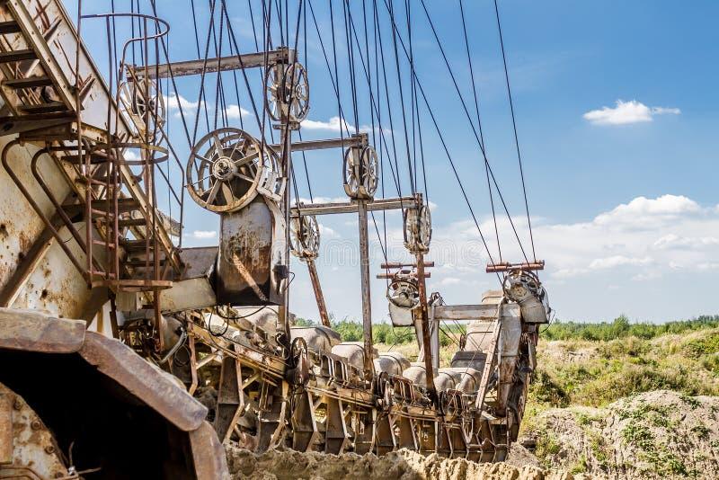 多斗式挖土机元素,巨型堆货机 免版税图库摄影