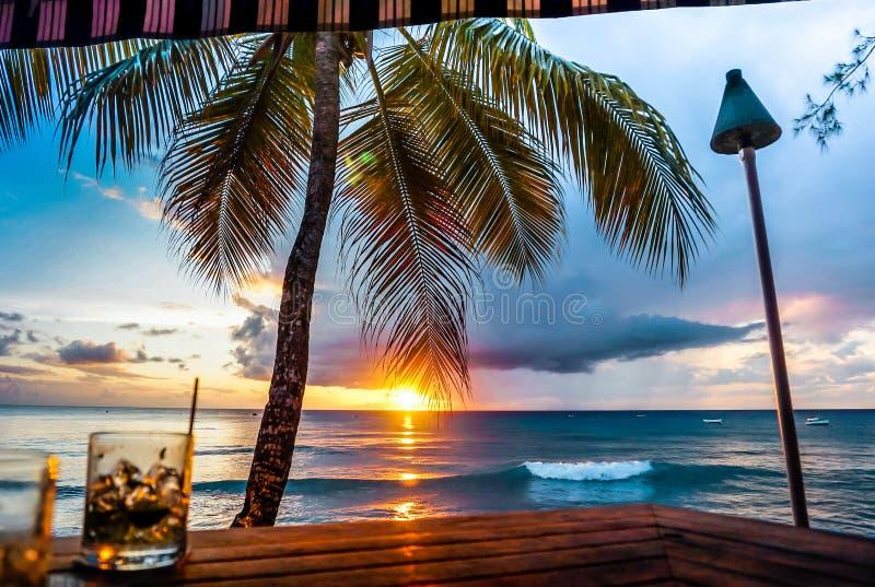 巴巴多斯海滩日落视图  库存照片