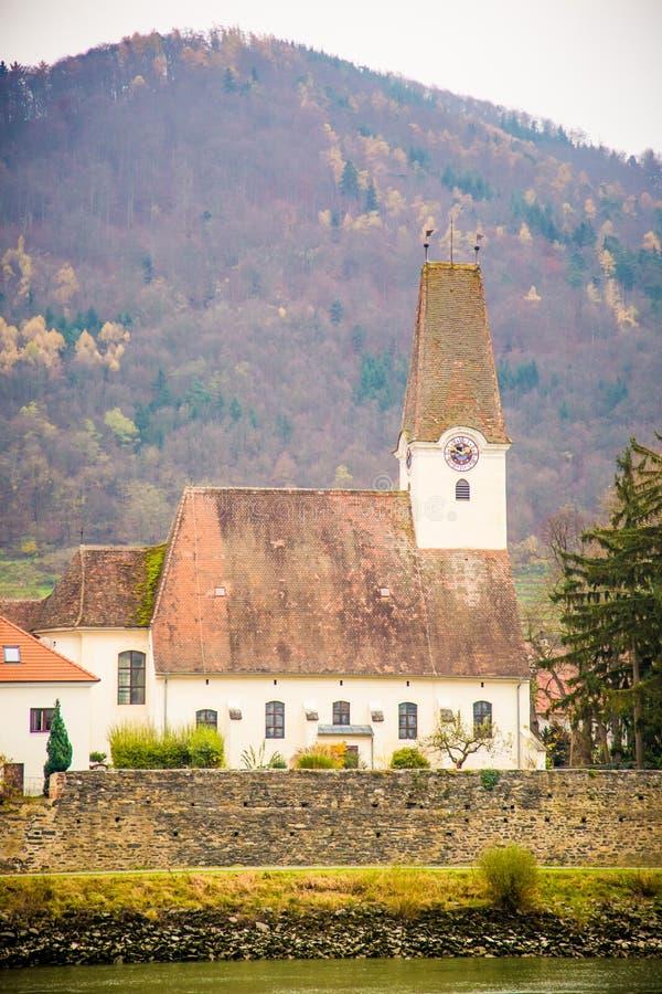 多瑙河巡航在秋天 免版税库存照片