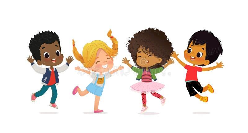 多种族学校孩子 男孩和女孩愉快地一起使用跳 孩子使用在草 概念是乐趣 向量例证