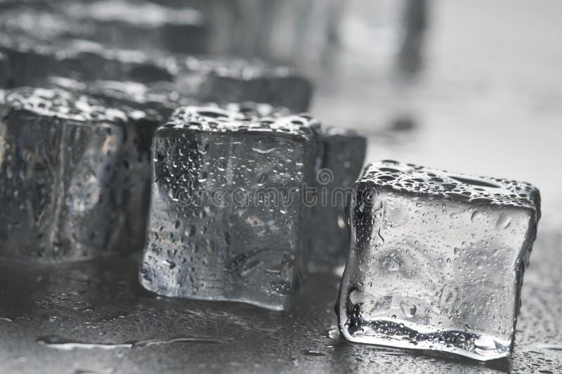 多维数据集冰反对湿 库存照片