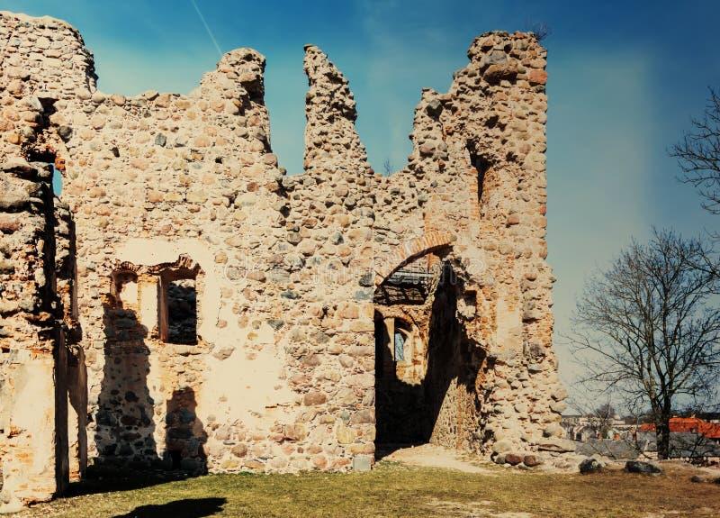 多贝莱中世纪城堡废墟  免版税库存照片