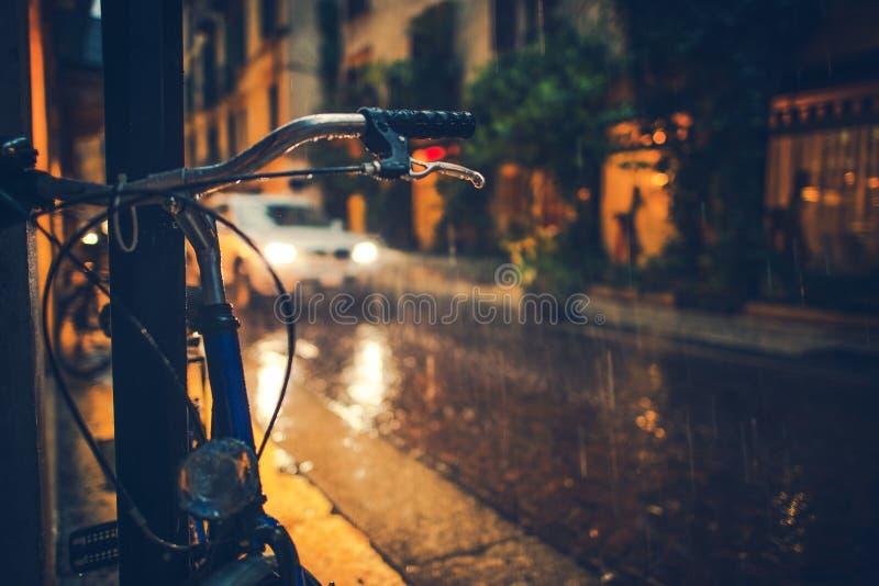 多雨城市的日 免版税图库摄影