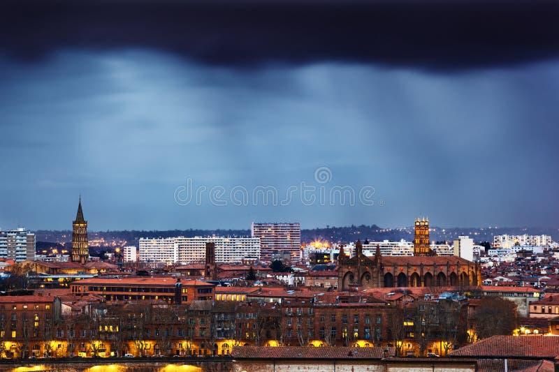 多雨晚上在图卢兹 免版税图库摄影