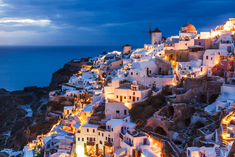 夜射击Oia圣托里尼希腊 库存图片