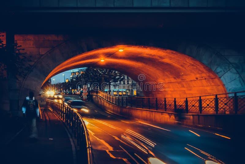 夜或平衡视图在欧洲城市 日内瓦,瑞士 免版税库存照片
