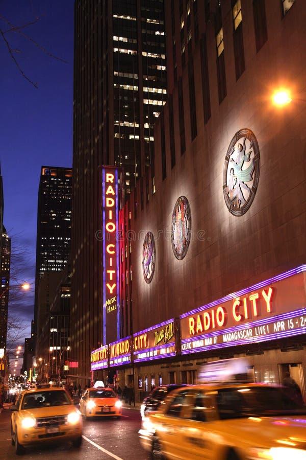 夜被射击无线电城音乐厅 库存图片