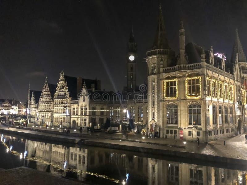 夜观点的城市绅士在比利时 免版税库存图片
