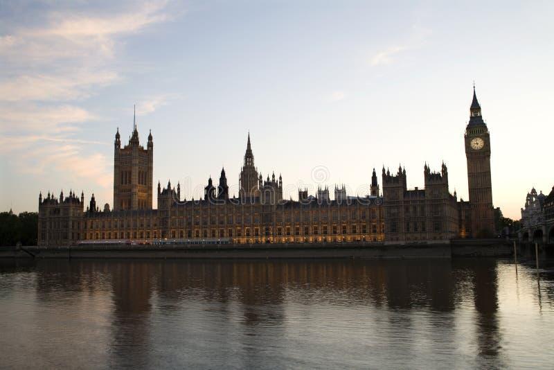 夜间伦敦议会 图库摄影