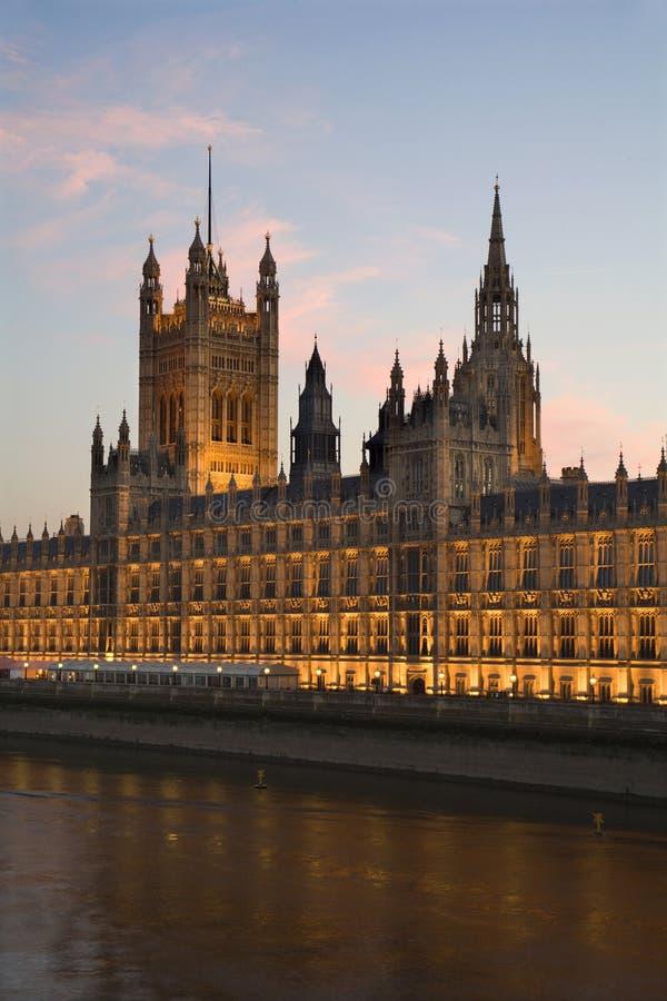 夜间伦敦议会 库存照片