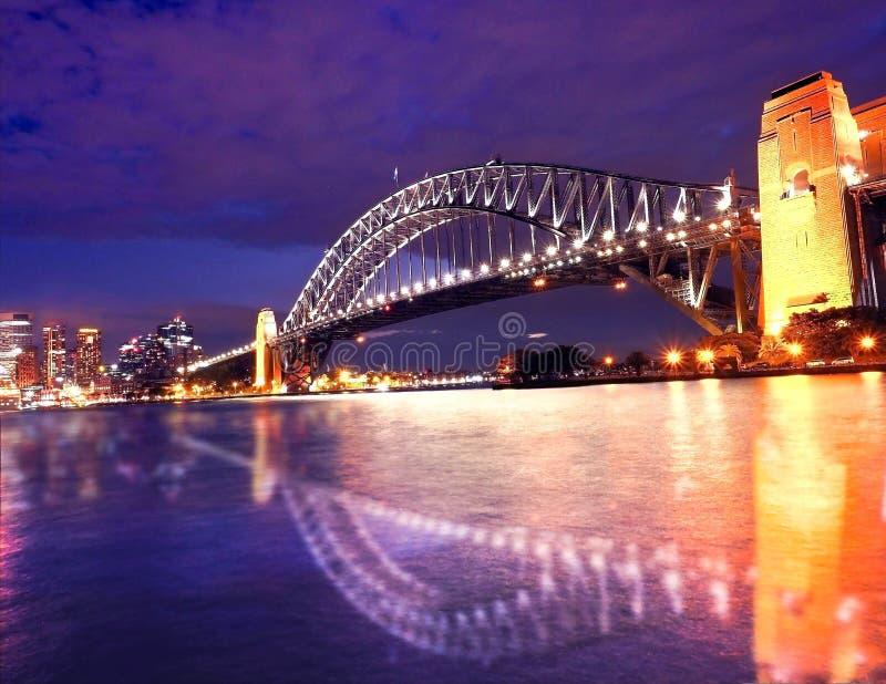 夜间的悉尼港口 库存图片