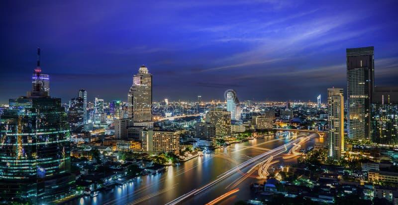 夜间的曼谷市 免版税库存图片