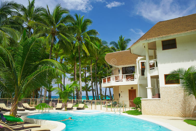 大使在博拉凯海岛天堂旅馆里  库存照片