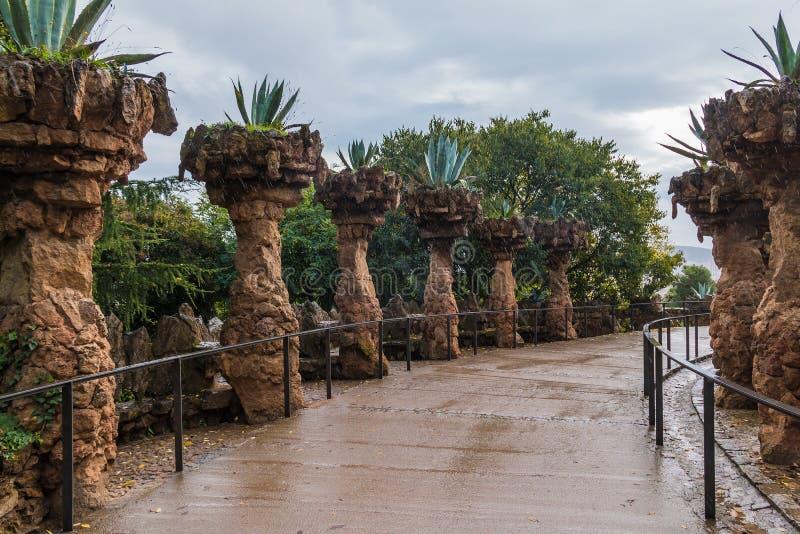 大农场主的高架桥在公园Guell,巴塞罗那,西班牙 库存照片