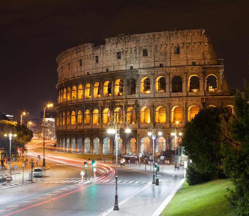 大剧场在晚上,罗马,意大利 库存图片