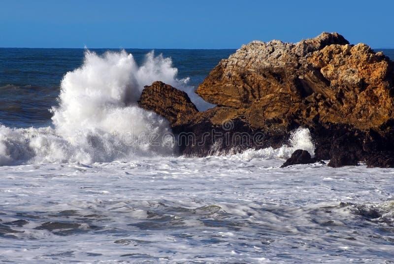大加利福尼亚海岸飞溅 库存图片