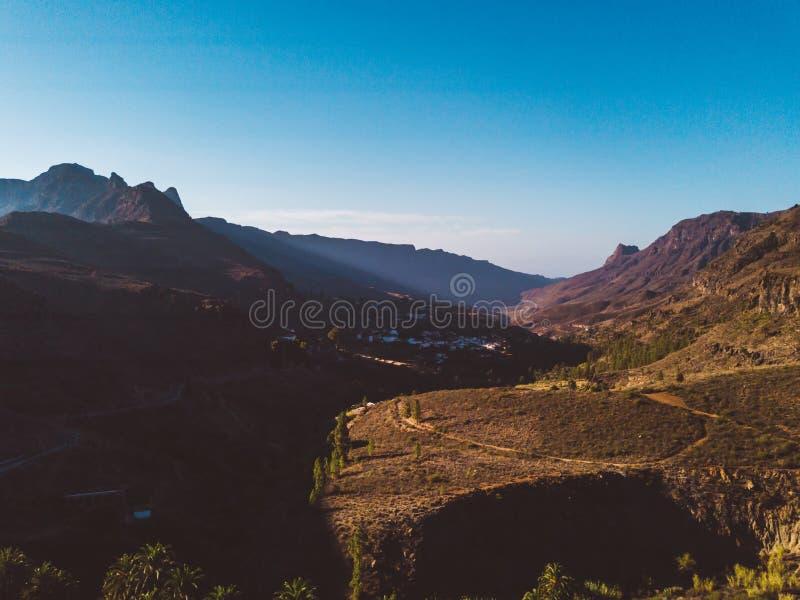 大加那利岛与峭壁的自然视图 免版税库存图片