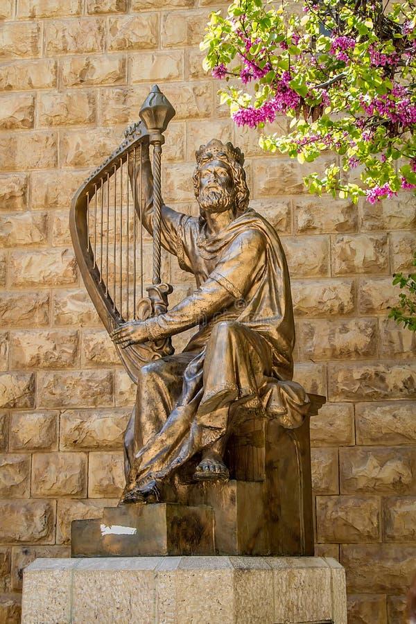 大卫国王的纪念碑有竖琴的 库存照片