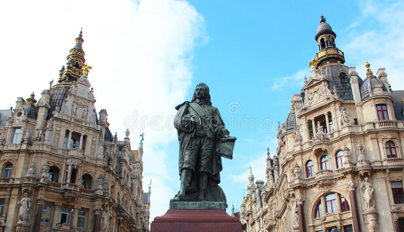 大卫Teniers雕象在市安特卫普,比利时 库存图片