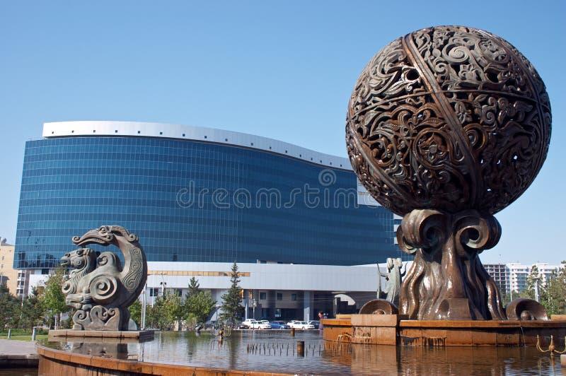 大厦企业喷泉 免版税库存图片