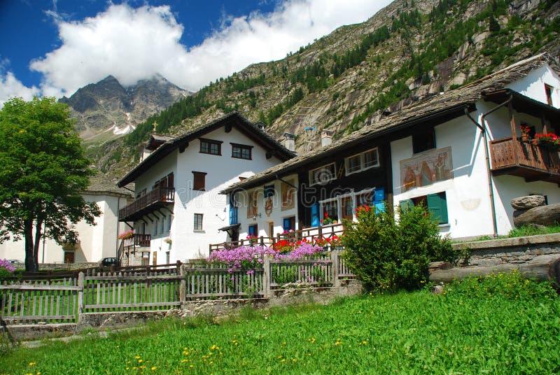 大厦典型意大利的macugnaga 免版税库存图片