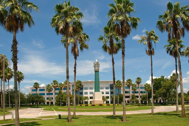 大厦办公室棕榈树 免版税库存照片