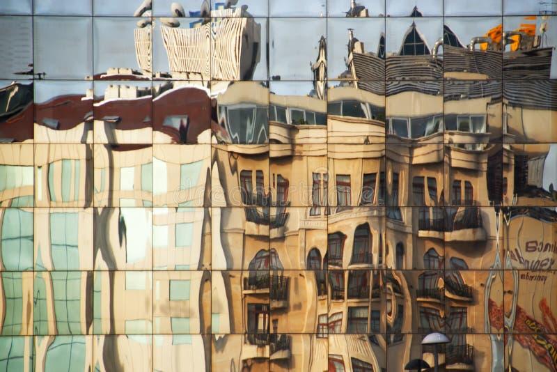 大厦反映 库存图片
