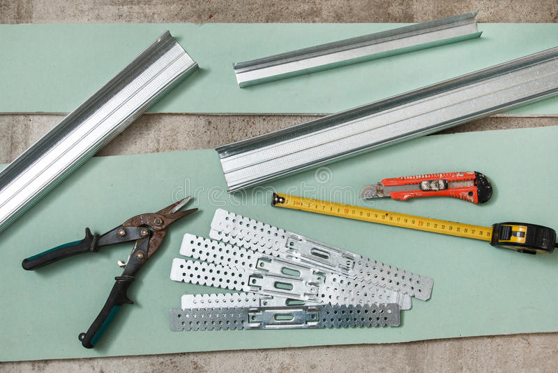 大厦和修理工具和材料 库存图片