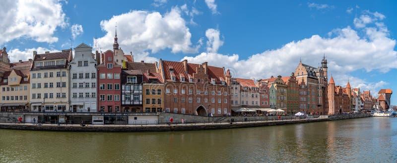 大厦和建筑学在Motlawa河在格但斯克波兰 免版税库存照片